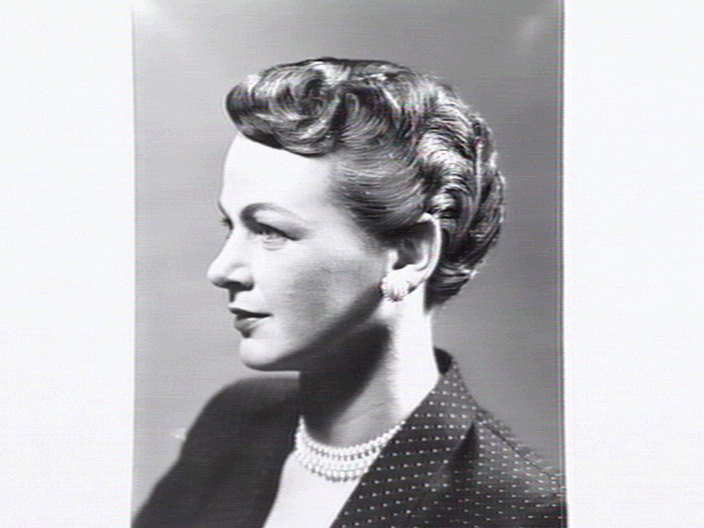 Women's hairstyles of the fifties [picture]