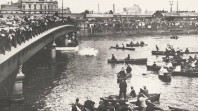Harry Houdini splashing into the Yarra River, WG Alma Conjuring Collection