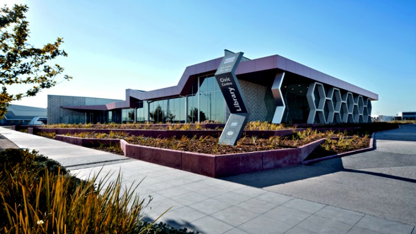 Public libraries state library victoria for Caroline springs swimming pool