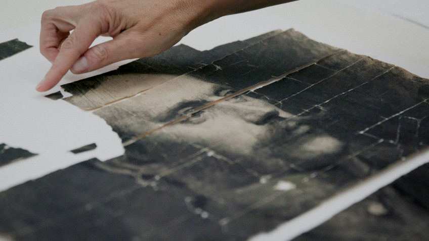 Black and white portrait on a table