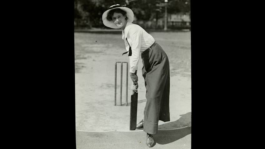 Batting in a women's cricket match, c 1905-10