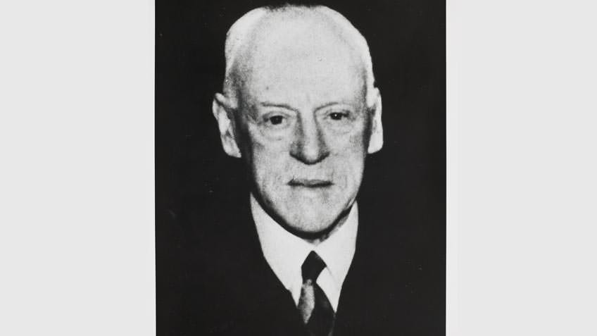 Magnus Victor Anderson, accountant, chess enthusiast and generous donor, c 1960