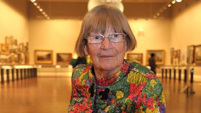 Portrait of Dr Margaret Bowman