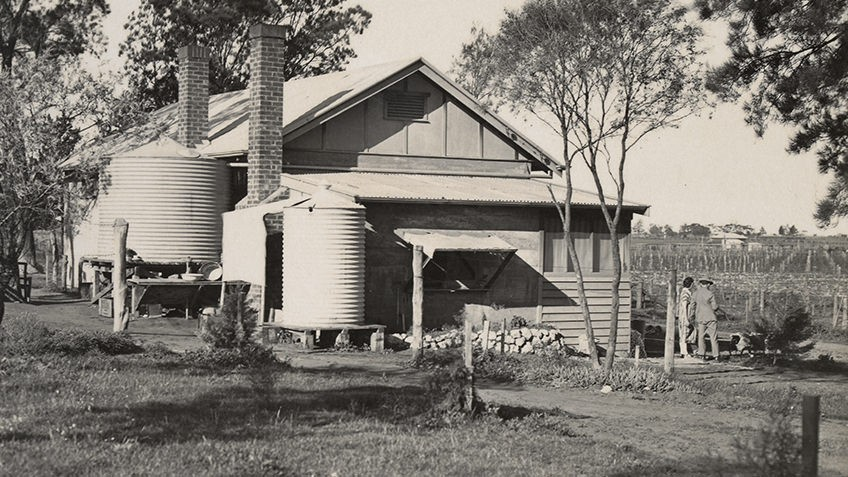 Black and white photo of a settlers house