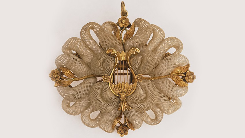 Gold mourning brooch, mid-19th century