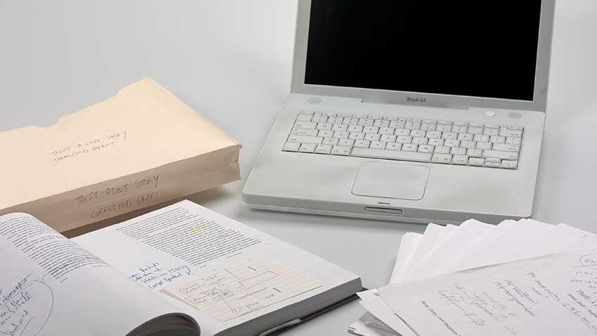 Peter Carey's G4 laptop and manuscripts