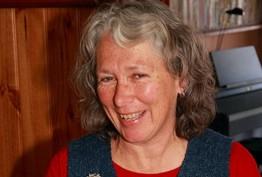 Portrait of Dr Robyn Ballinger