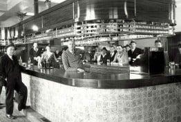Victorian gentlemen at a pub