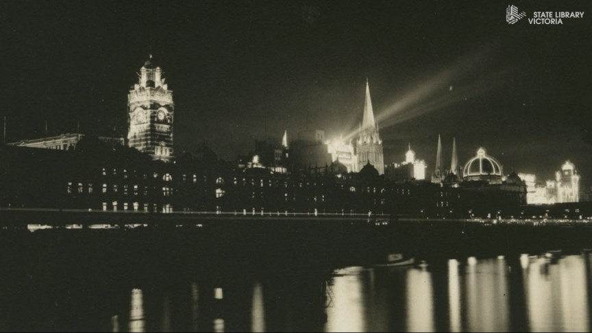 Black and white photo of Melbourne at night