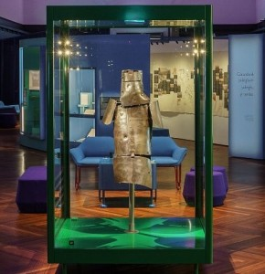 Ned Kelly Armour in case in VIA